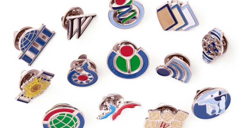 yaka-rozet-lapel-pin-jacket
