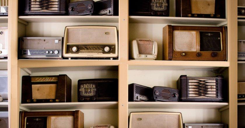 old-vintage-radio